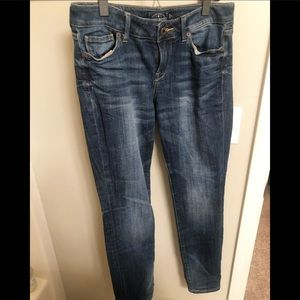 Size 6/28 skinny lucky brand jeans!